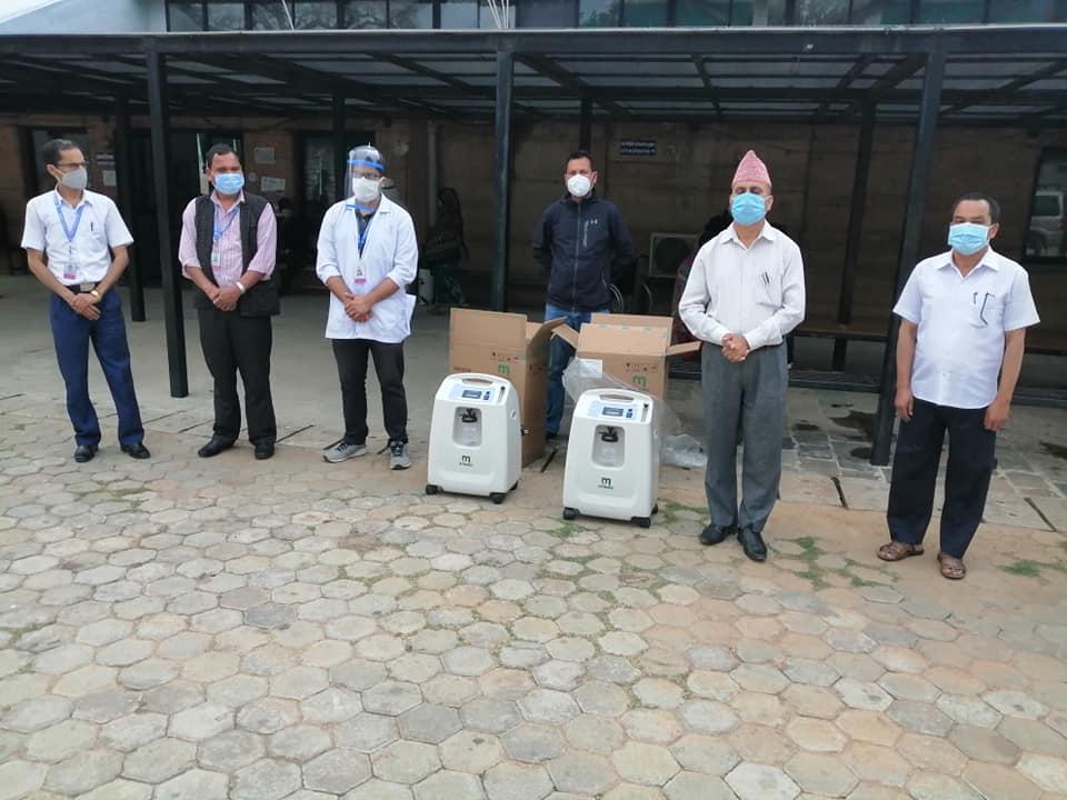साँफेबगर नगरपालिकाले दियो बयालपाटा अस्पताललाई अक्सिजन कन्सन्टेटर